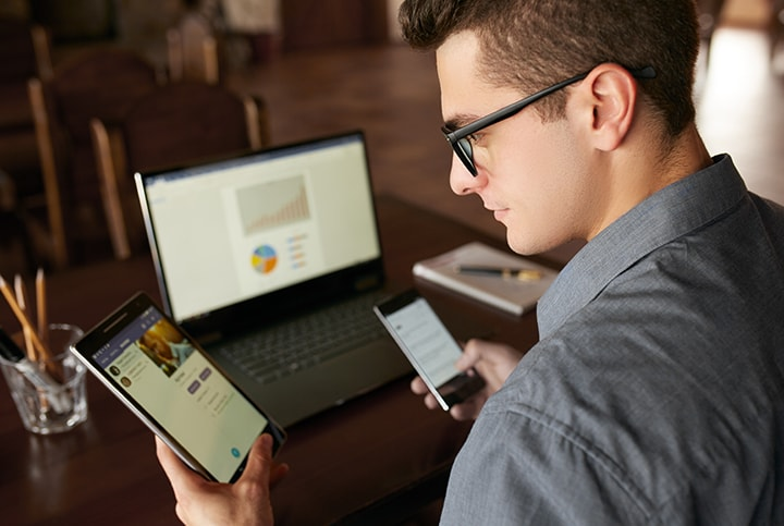 Young business man using STRATA Data Share